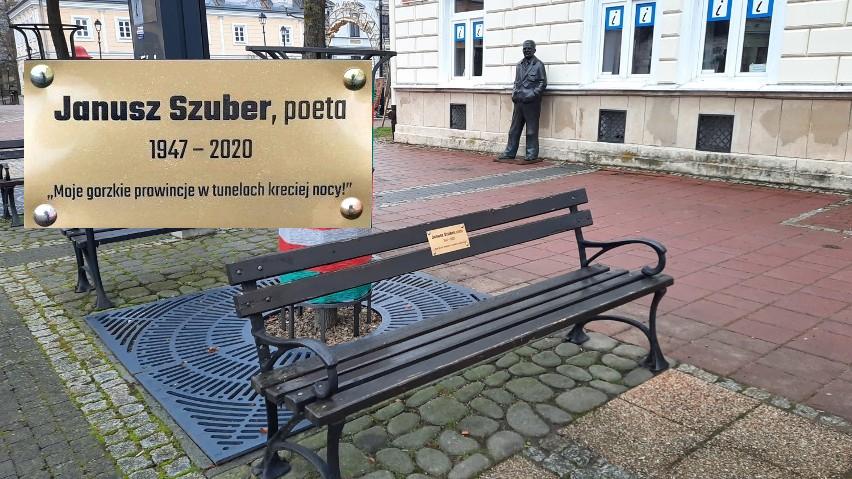 Mieszkanie Janusza Szubera mogłoby być żywym pomnikiem służącym polskiej kulturze - Zdjęcie główne
