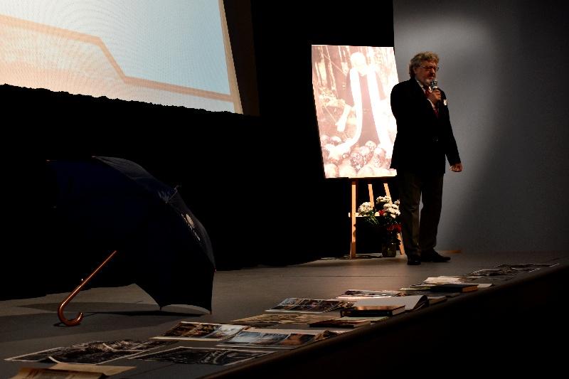 Sanok. Upamiętnienie 80. rocznicy Zbrodni Katyńskiej w SDK [FOTO] - Zdjęcie główne