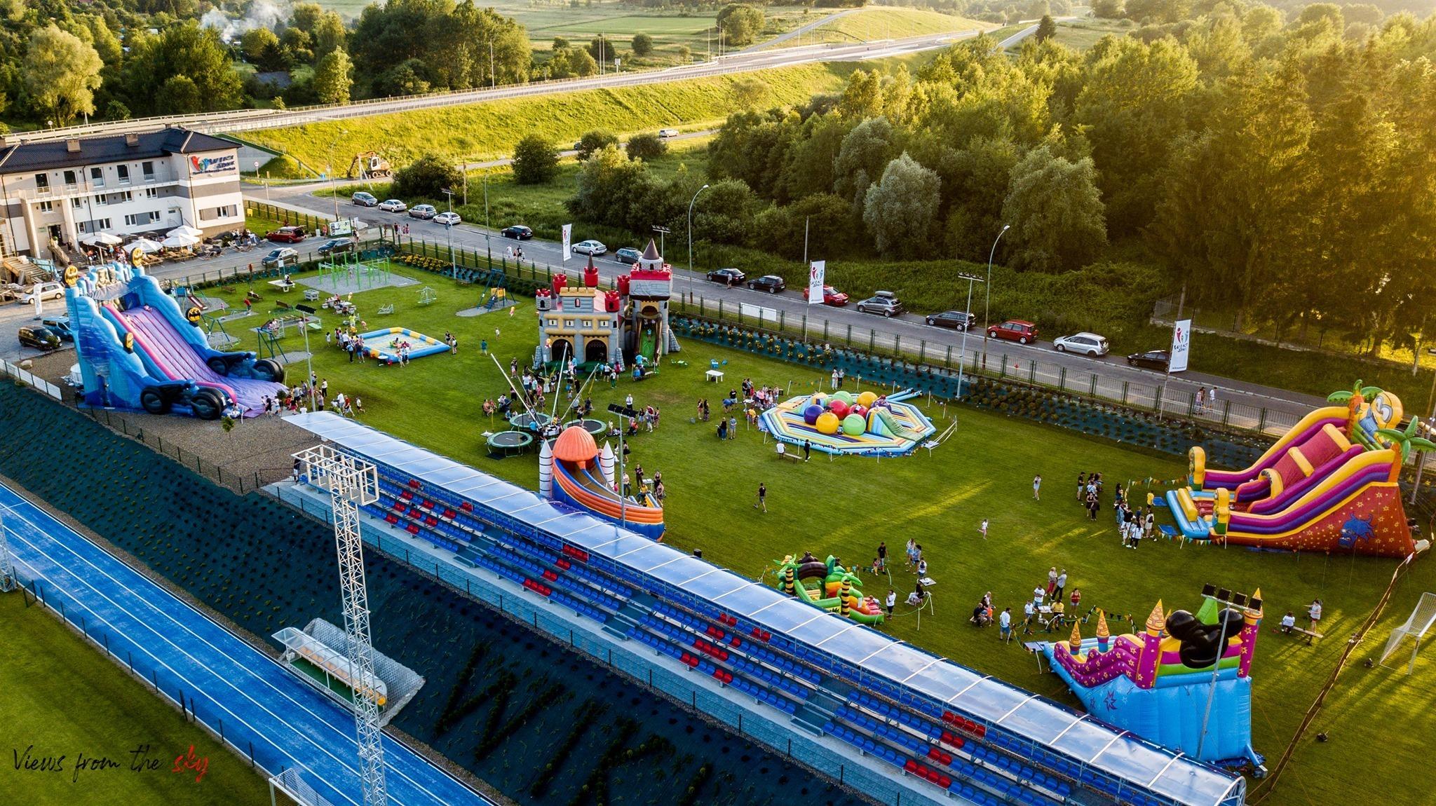 Sanok: Wiki Sanok - Rodzinne Centrum Sportu i Rekreacji zaprasza na ZAKOŃCZENIE WAKACJI  - Zdjęcie główne