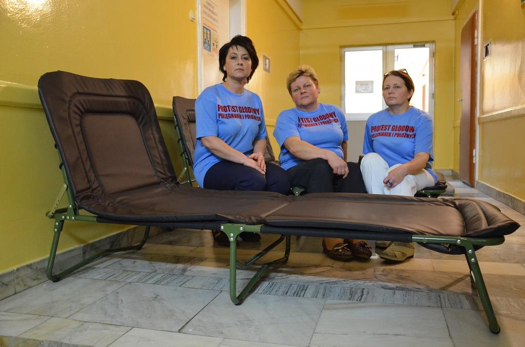 Strajk głodowy w sanockim szpitalu. O 13 dołączą kolejne pielęgniarki - Zdjęcie główne