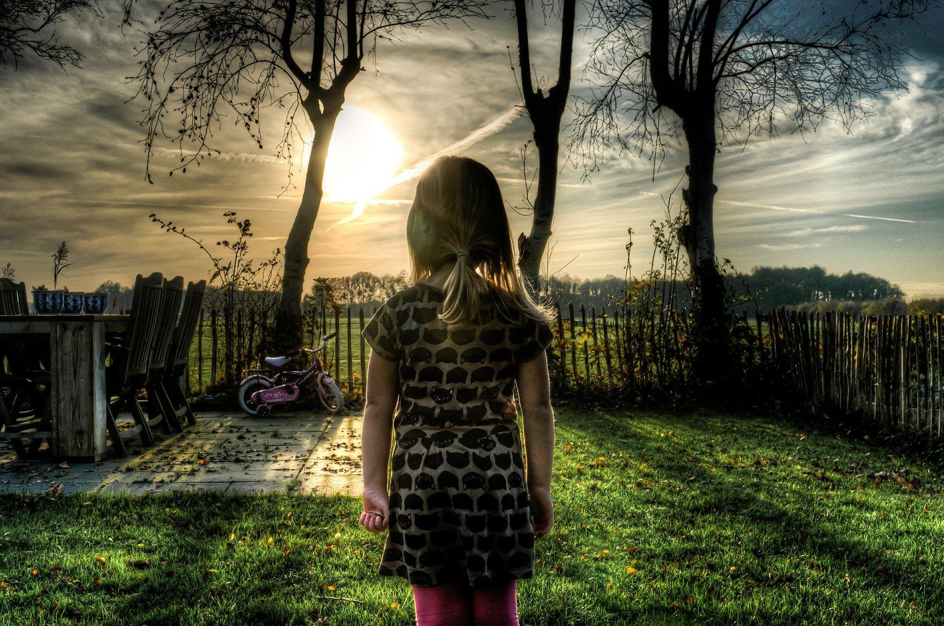 6-letnie dziecko zgubiło się podczas spaceru - Zdjęcie główne
