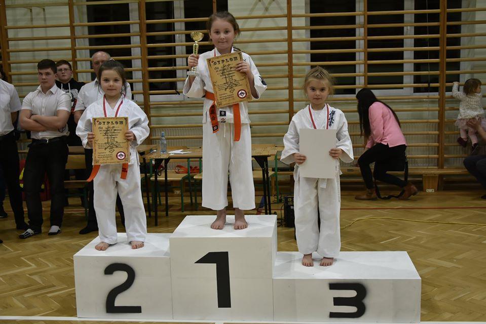 Mikołajkowy turniej karate w Bukowsku [ZDJĘCIA] - Zdjęcie główne