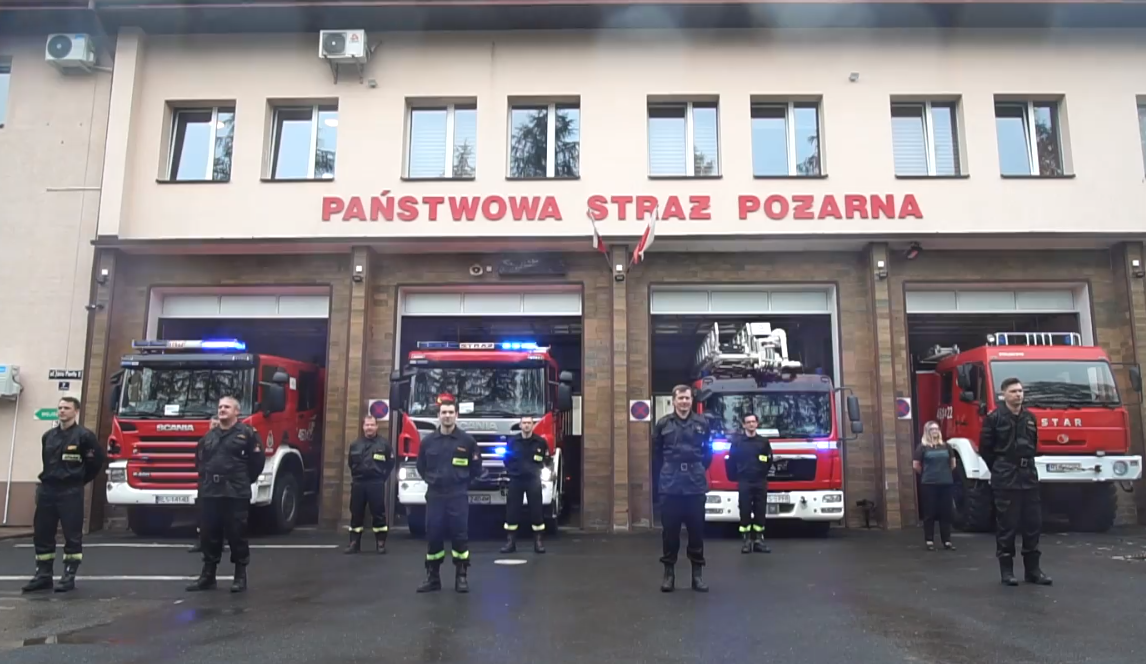 Państwowa Straż Pożarna w Lesku pompuje dla Darii w #GaszynChallange! [VIDEO] - Zdjęcie główne