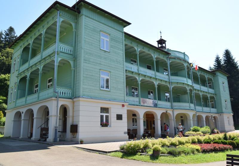 Przepiękny klasztor w Komańczy wymaga pilnego remontu - Zdjęcie główne