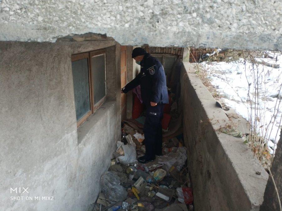Sanoccy policjanci pomagają bezdomnym - Nie bądźmy obojętni!  - Zdjęcie główne