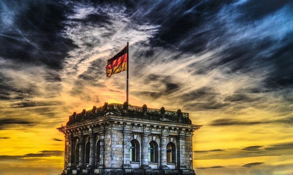 Jak bezpiecznie znaleźć legalną prace w Niemczech? - Zdjęcie główne