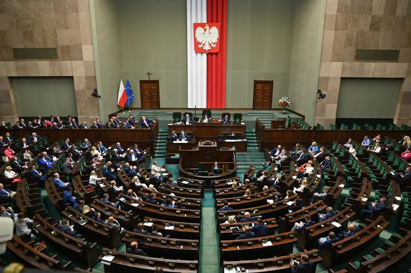 Sejm odrzucił poprawkę Senatu do tzw. ustawy covidowej zakładającą utworzenie funduszu celowego - Zdjęcie główne