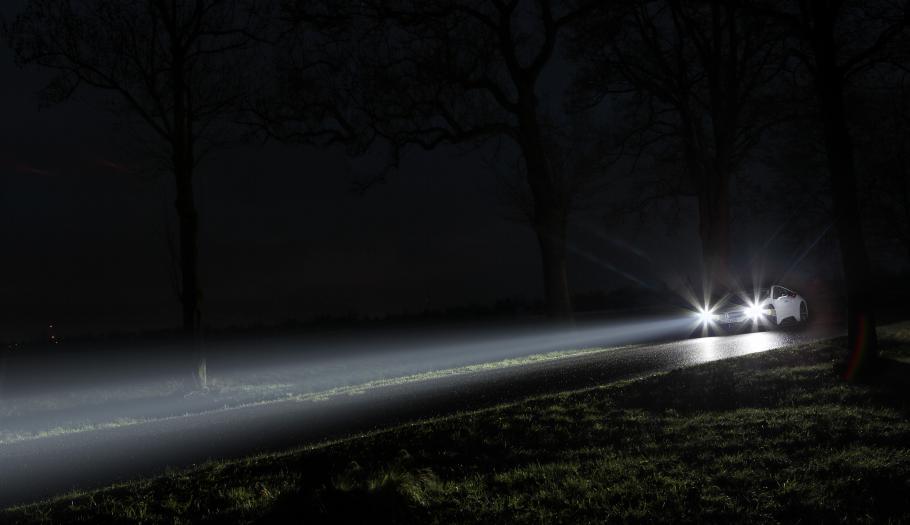 Zadbaj o światła w swoim samochodzie, szczególnie jesienią i zimą! - Zdjęcie główne