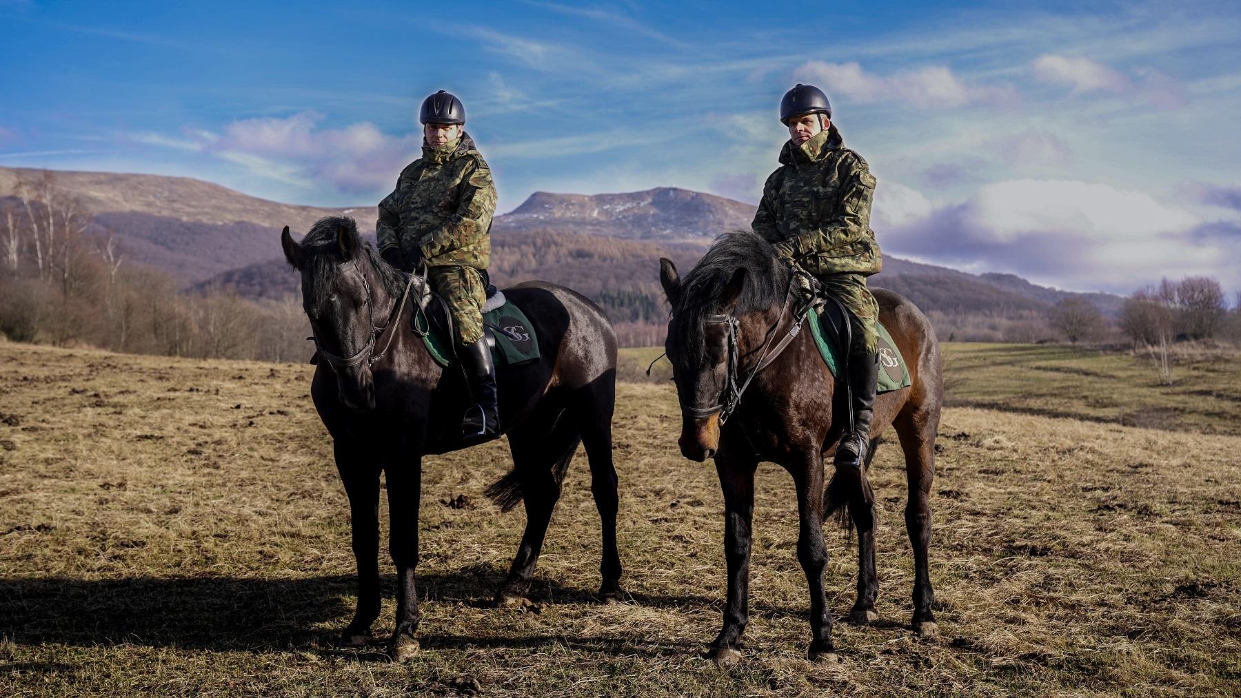 Trwa szkolenie nowych koni służbowych zakupionych przez Bieszczadzki Oddział SG [FOTO] - Zdjęcie główne