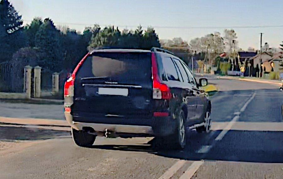 Pijana wiozła dziecko samochodem bez przedniej opony  - Zdjęcie główne