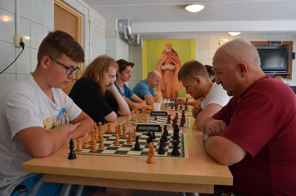 """""""W szachach jak w życiu"""" - Zdjęcie główne"""