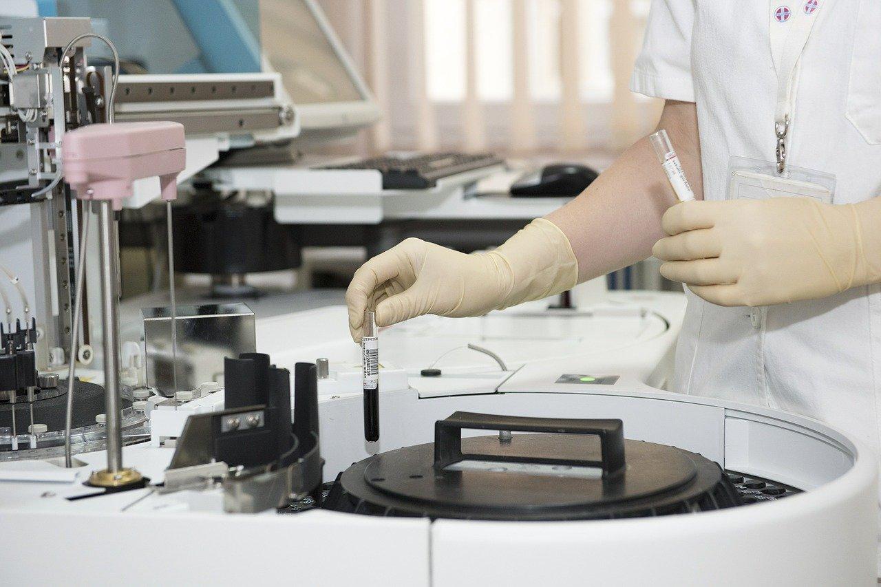 Koronawirus: Biomed otrzymał pierwszą partię osocza do produkcji leku - Zdjęcie główne
