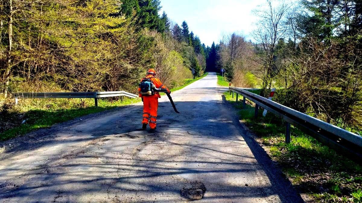 Remonty dróg i mostów w powiecie sanockim a pośród nich droga na Liszną - Zdjęcie główne