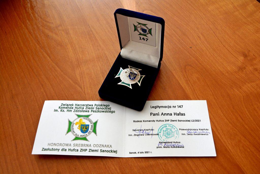 Wójt Gminy Sanok Anna Hałas uhonorowana specjalną odznaką!  - Zdjęcie główne