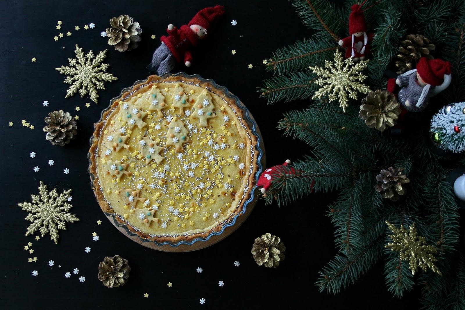 MONIKI SMAKOŁYKI: Tarta – świąteczny sernik z mascarpone o smaku chałwy - Zdjęcie główne