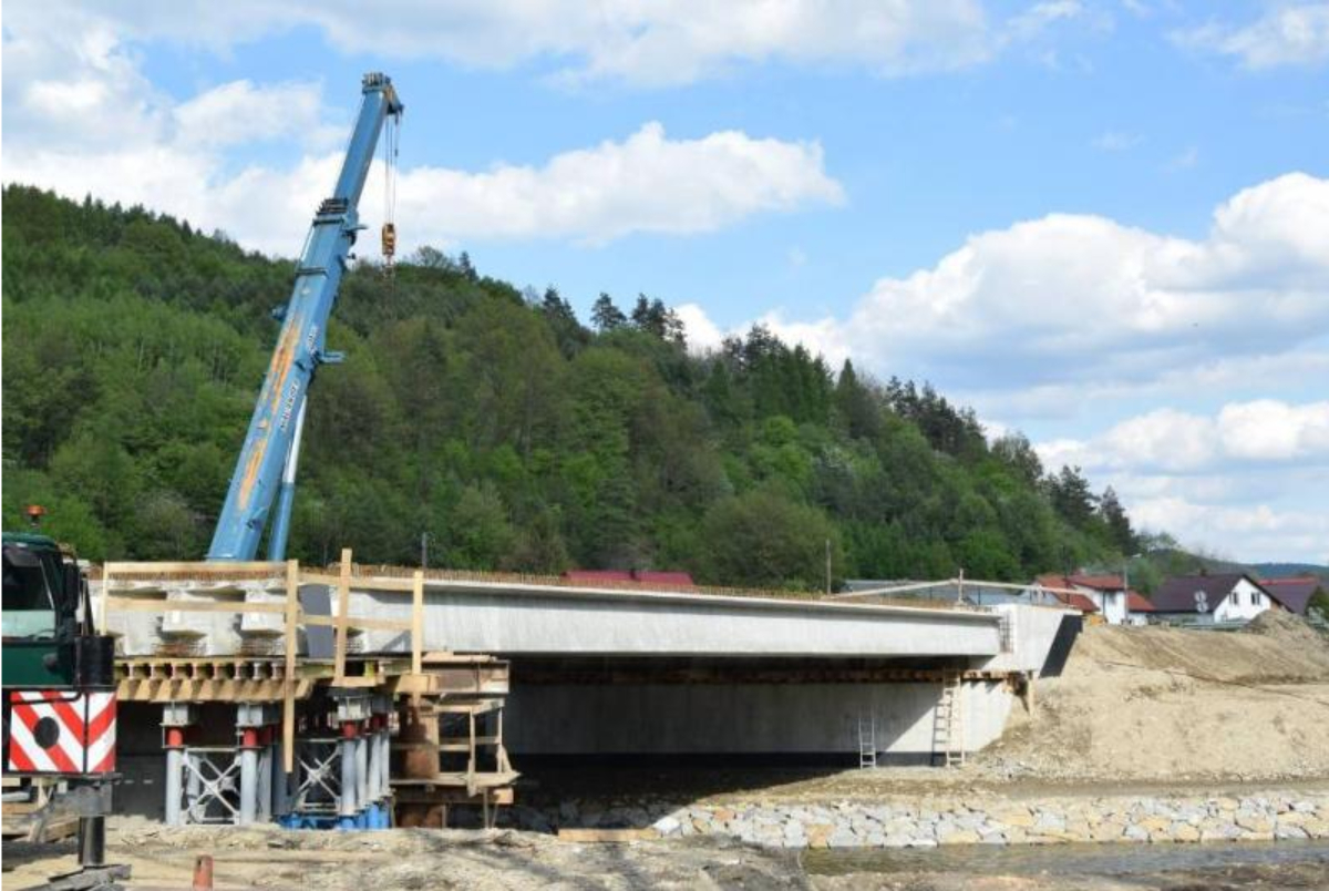 TYRAWA SOLNA. W listopadzie doczekamy się ukończenia budowy mostu - Zdjęcie główne