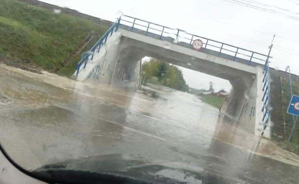 Ulewa nad Podkarpaciem! Przybywa wody w rzekach na południu regionu - Zdjęcie główne