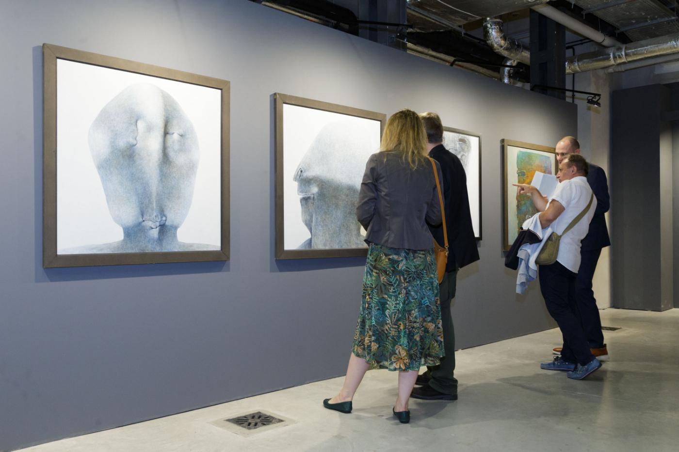 Wystawa prac Zdzisława Beksińskiego w Centrum Praskim Koneser w Warszawie [ZDJĘCIA] - Zdjęcie główne