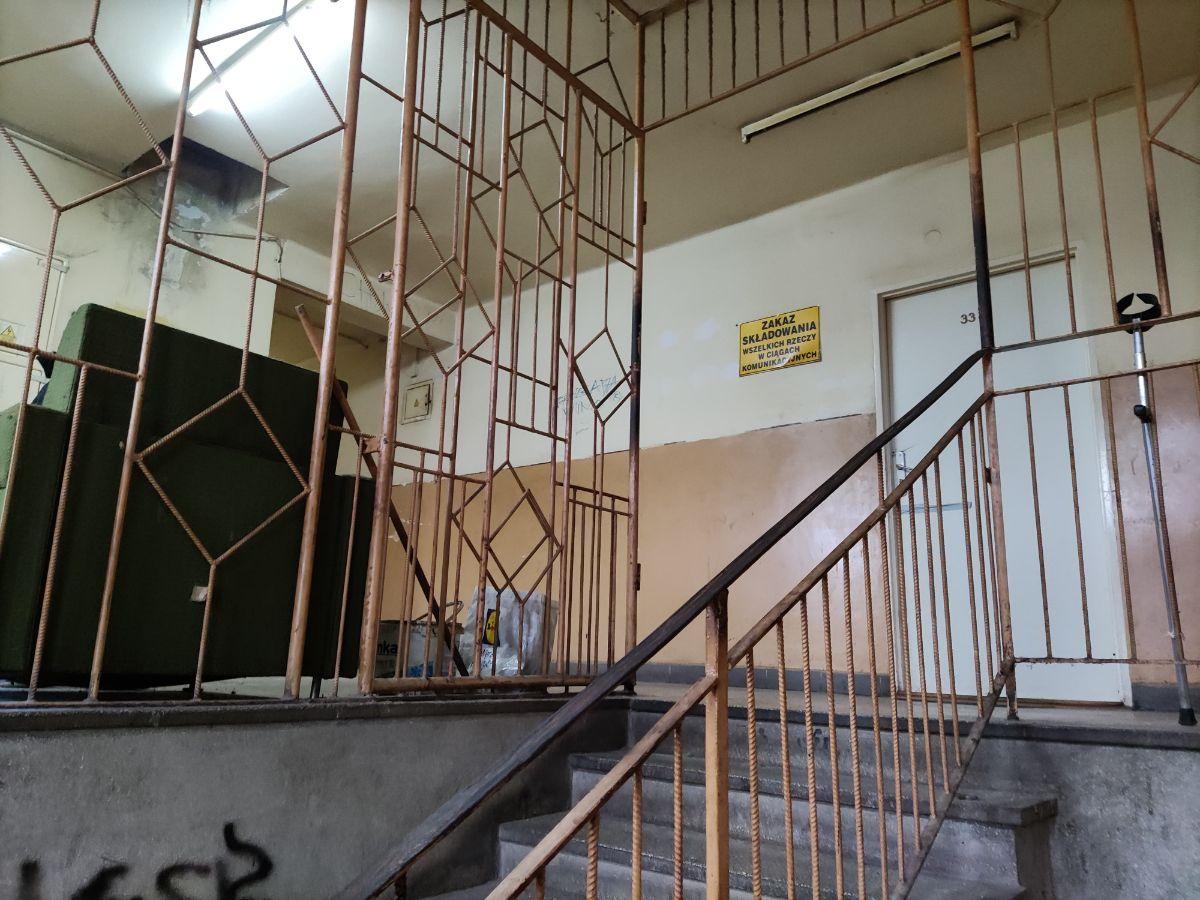 Z OSTATNIEJ CHWILI: Atak nożownika na Okulickiego [FOTO] - Zdjęcie główne