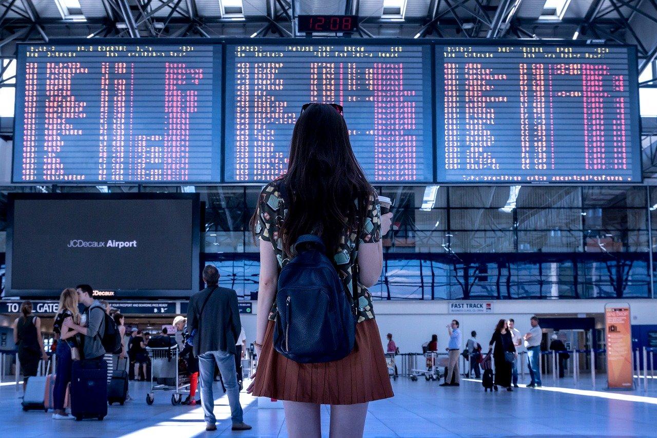Od dzisiaj obowiązuje zakaz połączeń lotniczych do 44 krajów m.in. do Hiszpanii - Zdjęcie główne