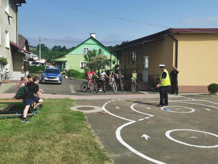 MOKRE: Uczniowie szkoły podstawowej zdawali egzamin na kartę rowerową [ZDJĘCIA] - Zdjęcie główne