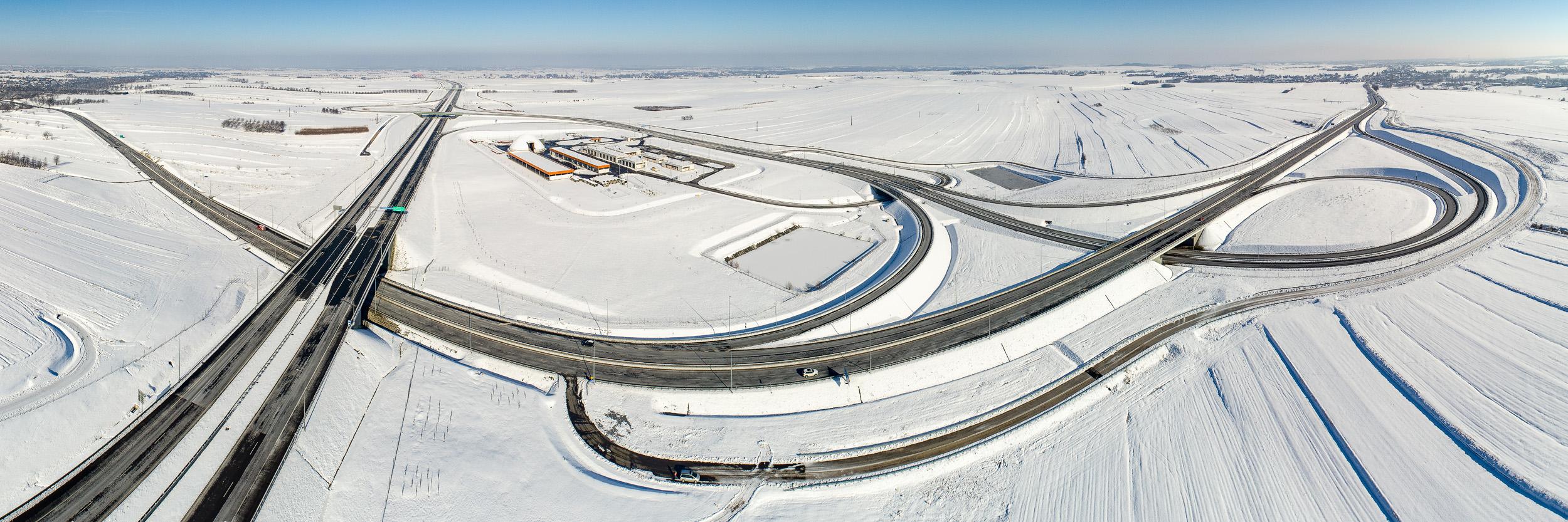 Służby zimowego utrzymania dróg na Podkarpaciu pracują pełna parą - Zdjęcie główne