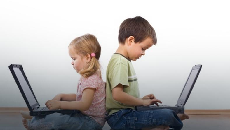 Dowiedz się, co Twoje dziecko robi w Internecie - Zdjęcie główne