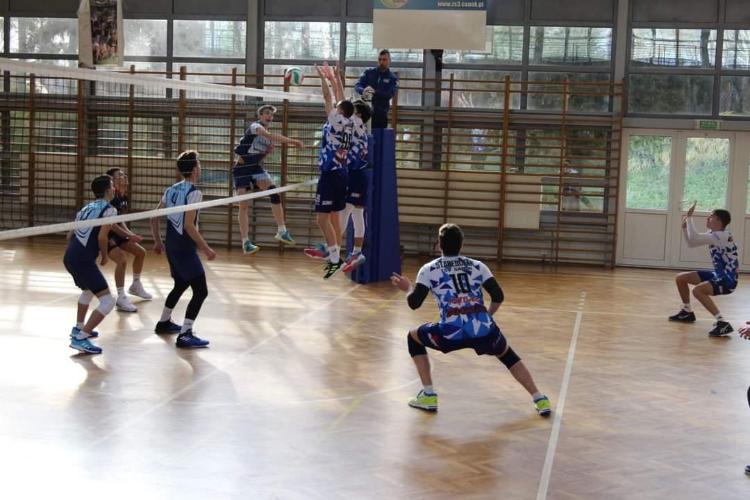 Juniorzy TSV Sanok zwyciężają bez problemów na koniec sezonu regularnego - Zdjęcie główne