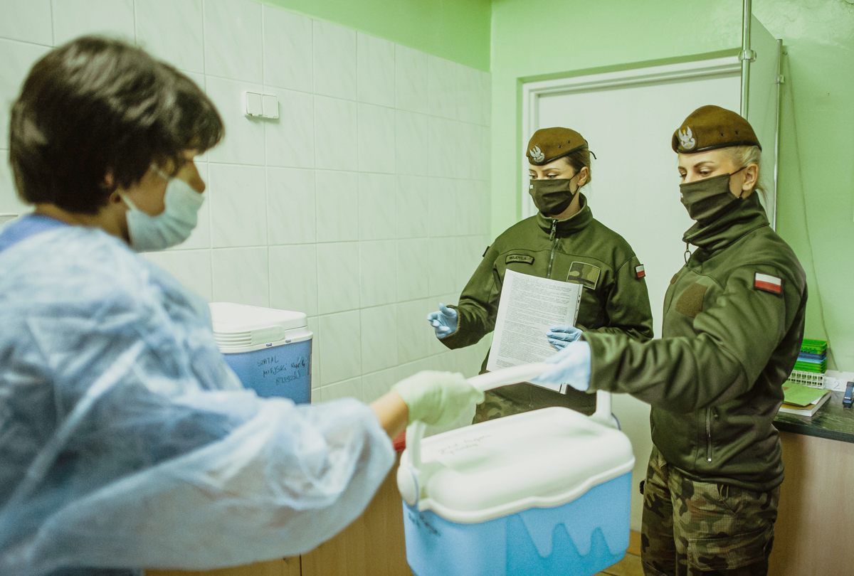 Żołnierze 3.PBOT wspierają Wojewódzką Stację Sanitarno-Epidemiologiczną [FOTO] - Zdjęcie główne