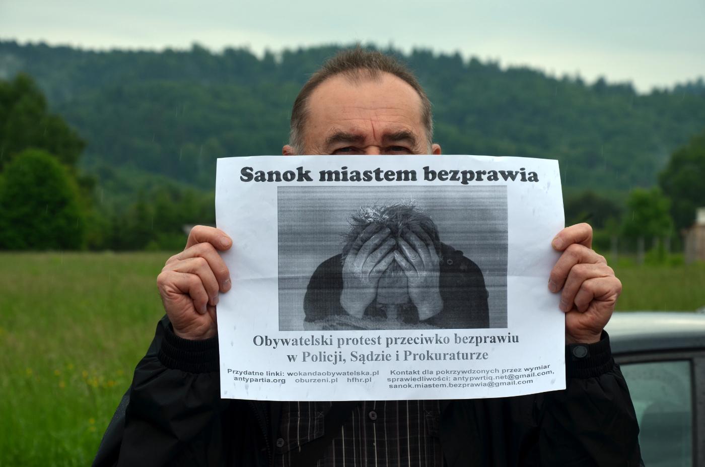 Zdanie Odrębne: Miłosierdzie gminy - Zdjęcie główne