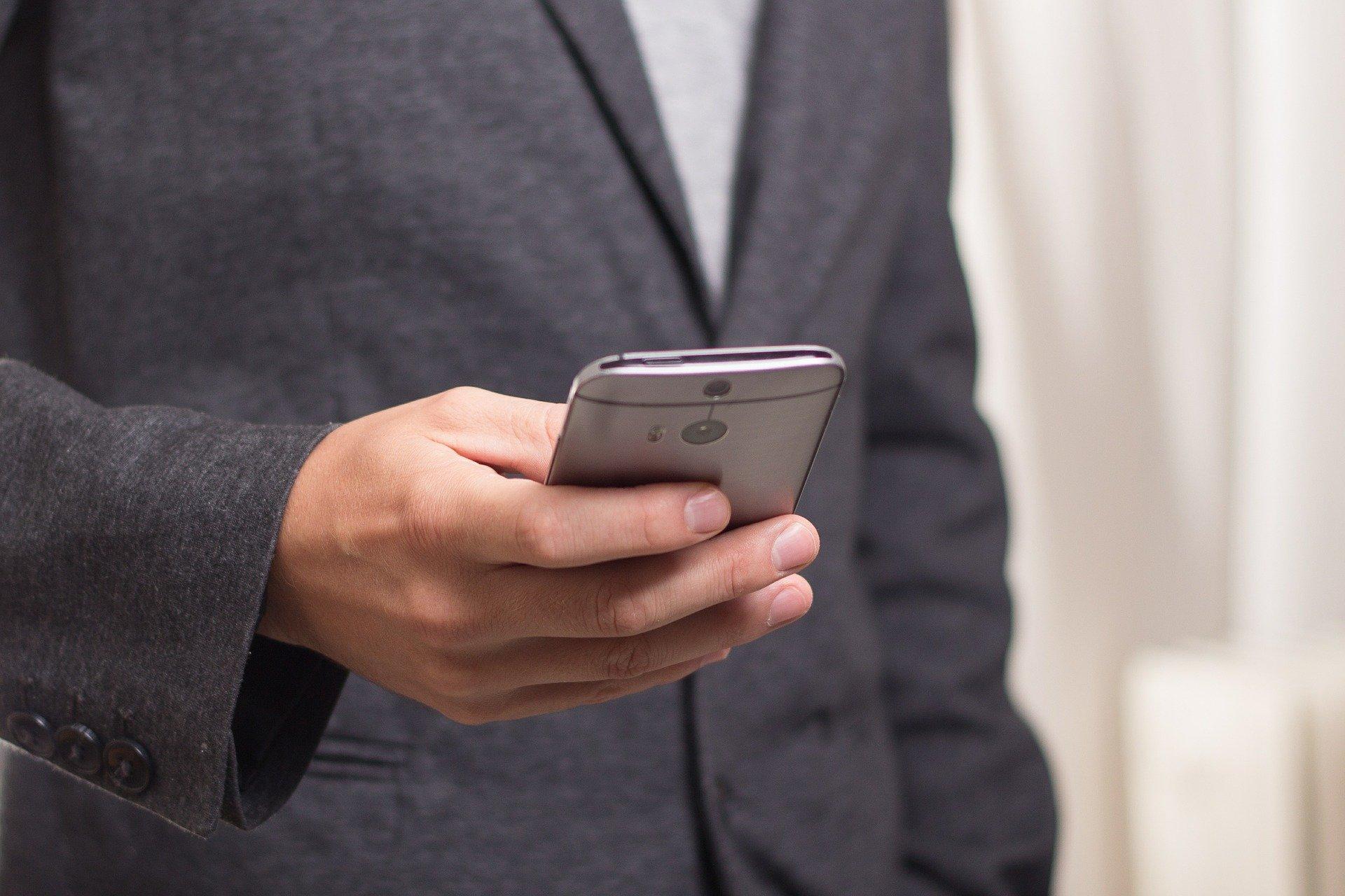 SANOK: Odebrał telefon od fałszywego pracownika banku i stracił kilkanaście tysięcy złotych - Zdjęcie główne
