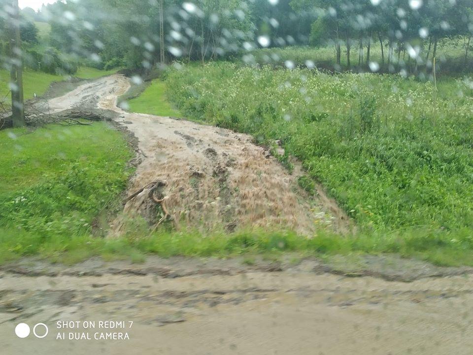Silne ulewy w Bieszczadach. Rokowania pogodowe nadal niekorzystne [FOTO] - Zdjęcie główne