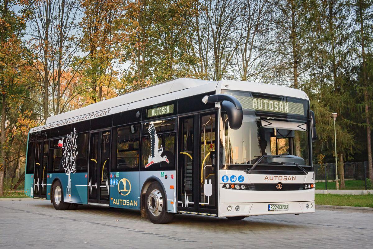 SANOK: Autosan opracuje autobus elektryczny z zewnętrznym źródłem napędu - Zdjęcie główne