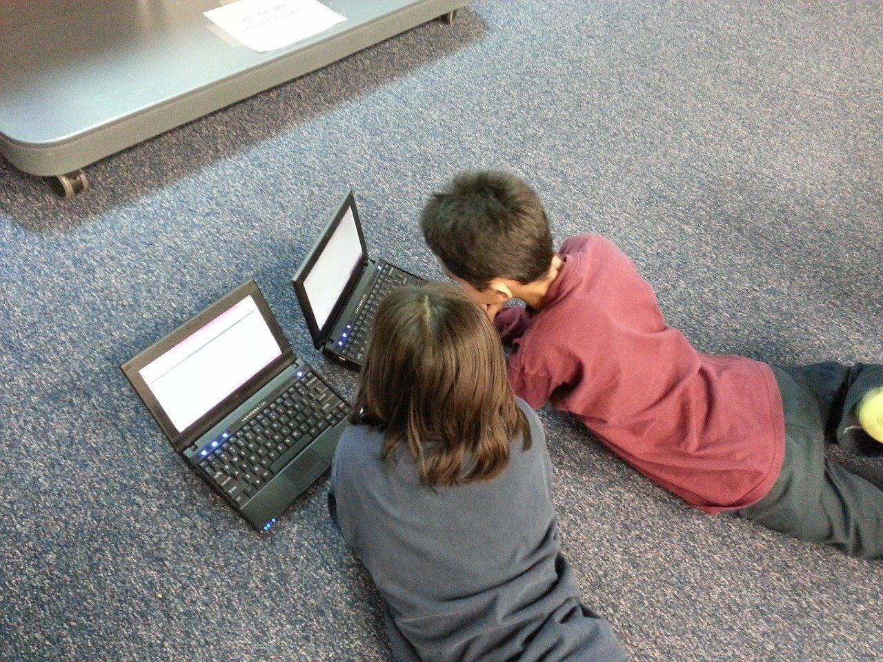 Darmowe laptopy dla uczniów z Gminy!  - Zdjęcie główne