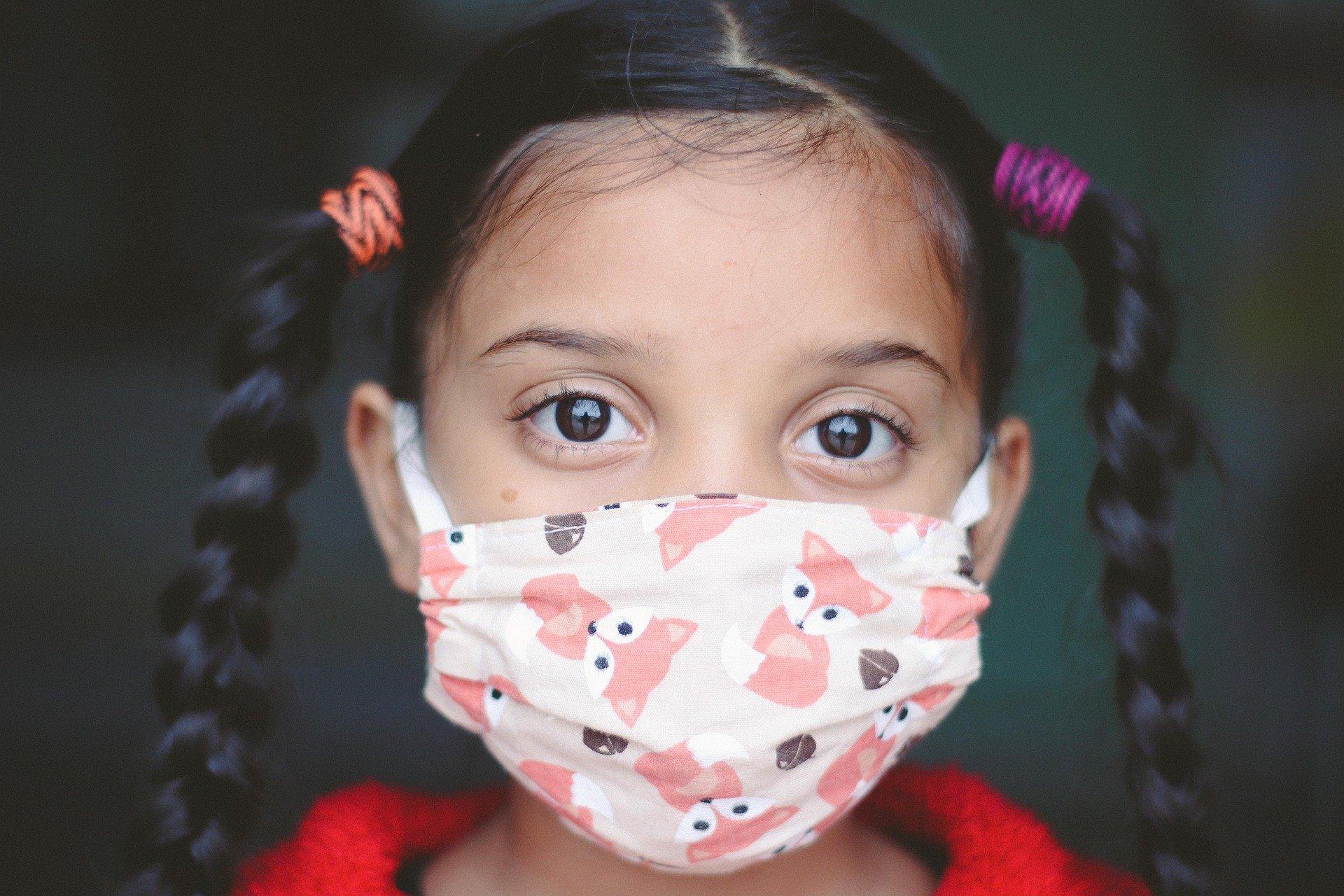 Gwałtownie wzrasta liczba infekcji Covid-19 wśród dzieci - Zdjęcie główne