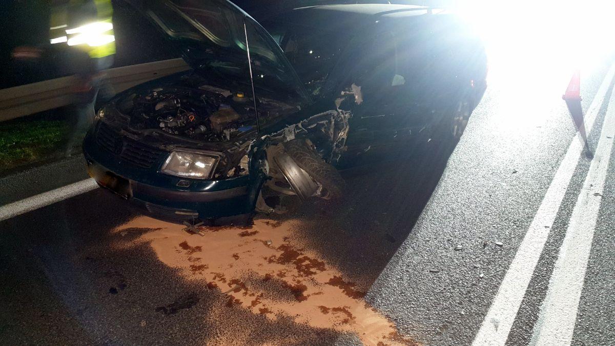 ZAHUTYŃ: Kompletnie pijana uderzyła w nadjeżdżający samochód [FOTO] - Zdjęcie główne