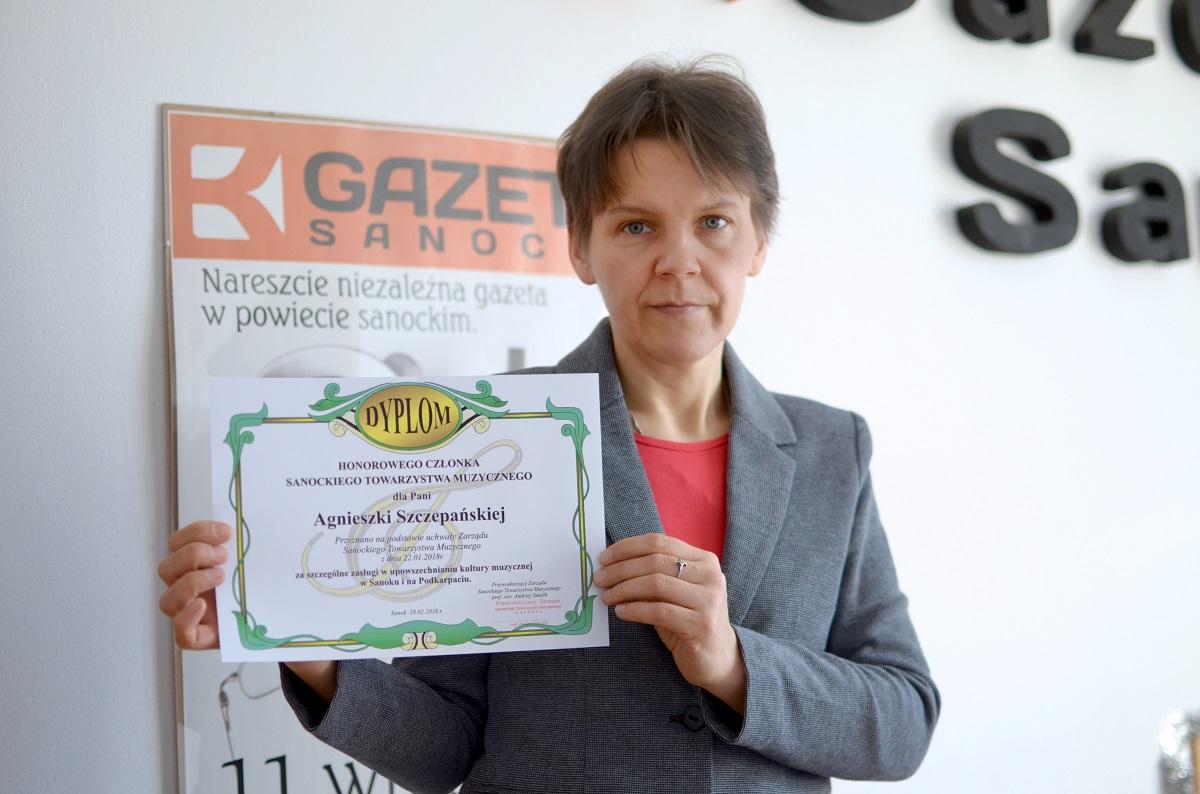 Dziennikarka Korso Gazety Sanockiej uhonorowana za upowszechnianie kultury muzycznej - Zdjęcie główne