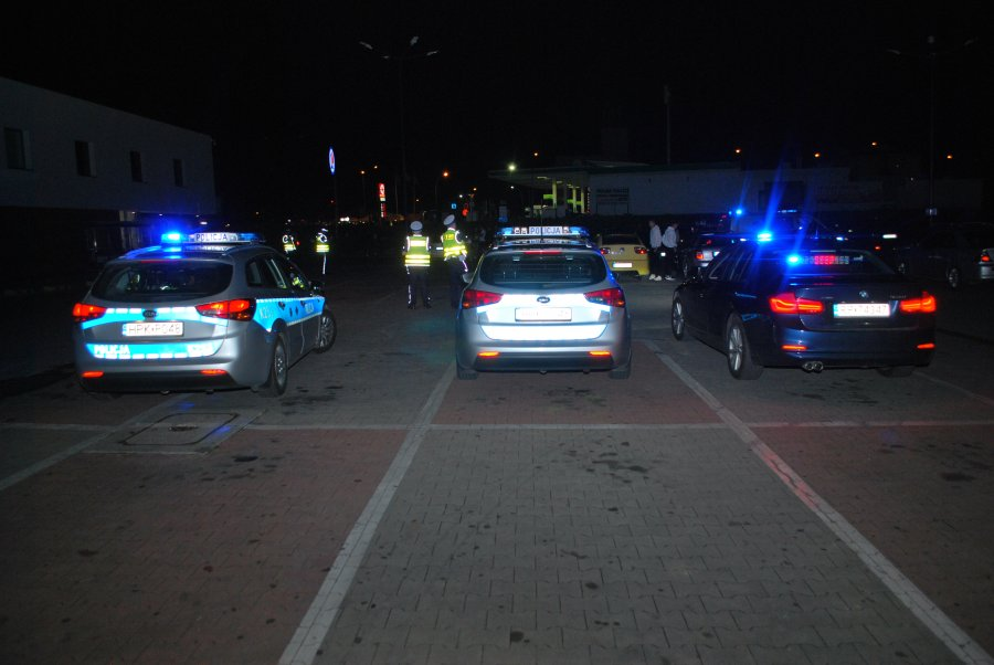 Przemyśl: Nocna akcja policjantów [FOTO] - Zdjęcie główne
