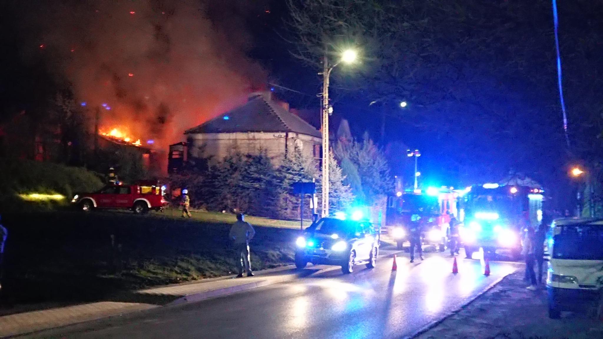 Z PODKARPACIA. Kobieta zginęła w pożarze domu [FOTO] - Zdjęcie główne