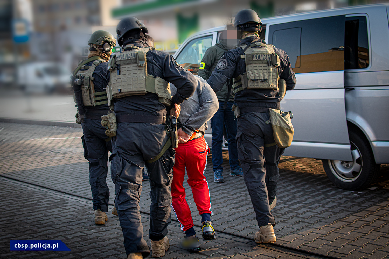Zorganizowana grupa przestępcza zajmująca się sutenerstwem rozbita przez CBŚP w Rzeszowie [WIDEO] - Zdjęcie główne