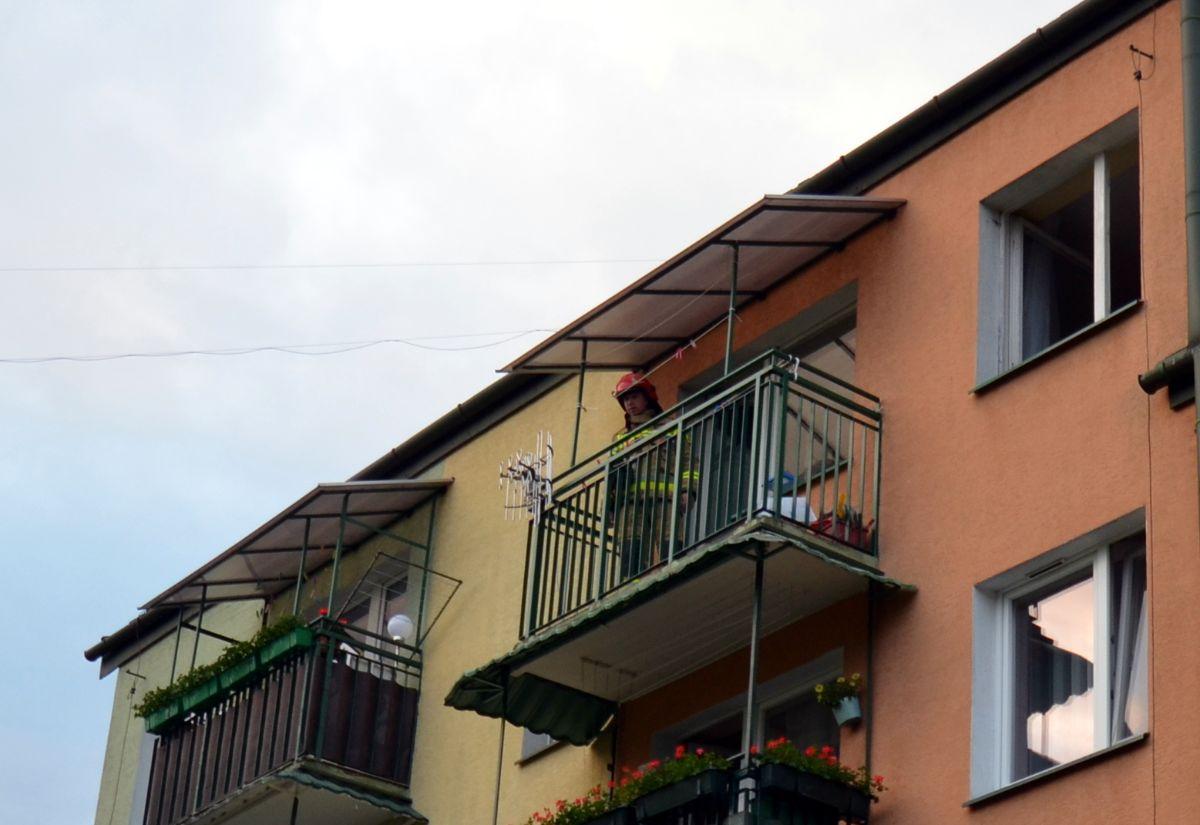 SANOK: Pożar w mieszkaniu przy ul. Ogrodowej [FOTO] - Zdjęcie główne