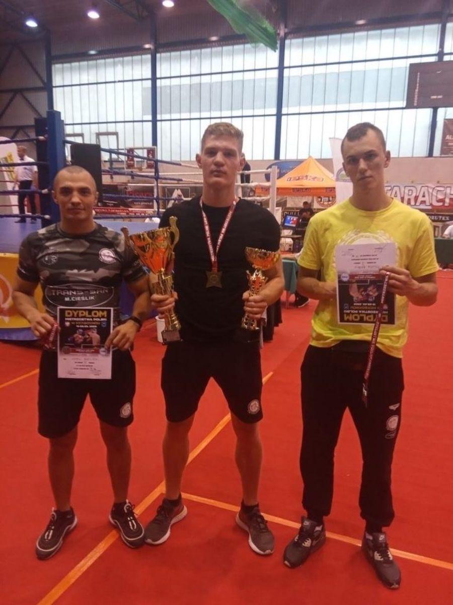 Sanockie SAMURAJE z 3 medalami na Mistrzostwach Polski w kickboxingu! - Zdjęcie główne