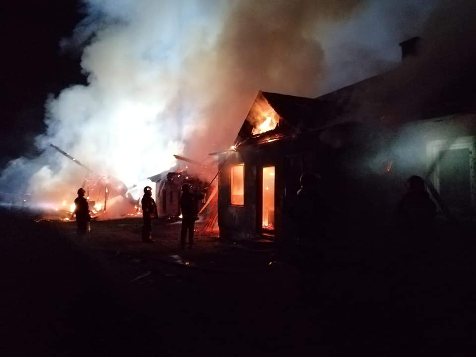 Z PODKARPACIA. 8 zastępów straży walczyło z pożarem domu! [FOTO] - Zdjęcie główne