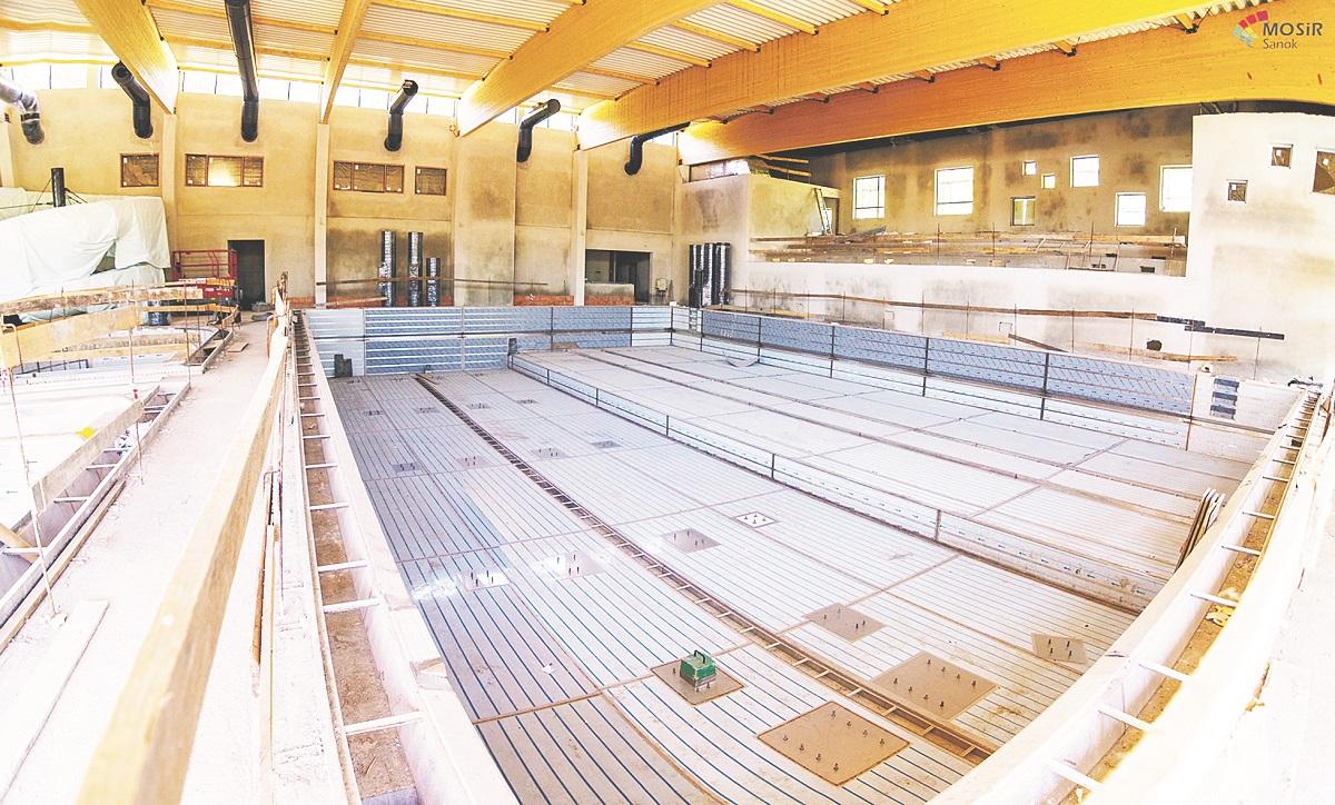 W Lesku basen niewiele mniejszy niż w Sanoku - Zdjęcie główne