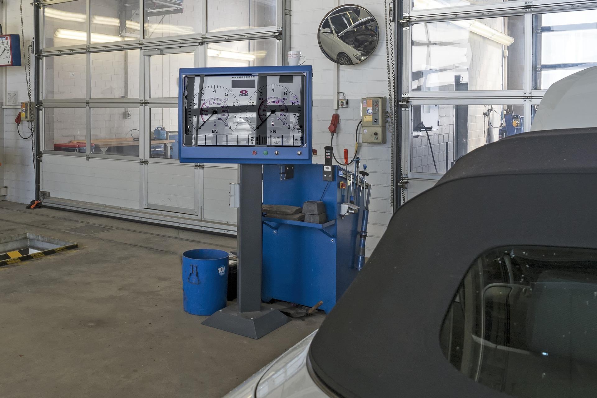 Przegląd techniczny auta i nowe przepisy – zmiany w zasadach i opłatach!  - Zdjęcie główne