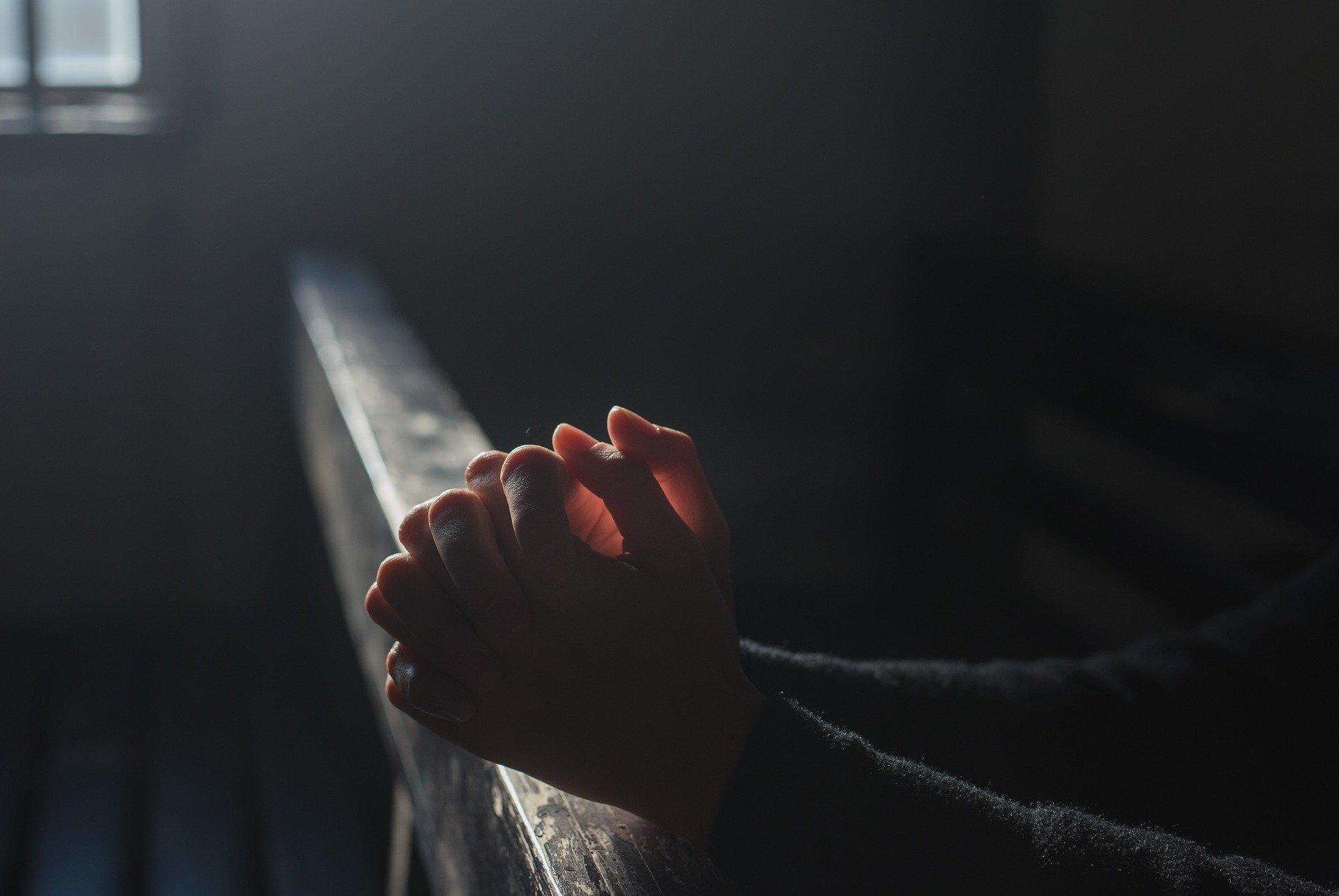 SANOK: Nagie zdjęcia księdza w Internecie. Parafianie zniesmaczeni [ZDJĘCIA] - Zdjęcie główne