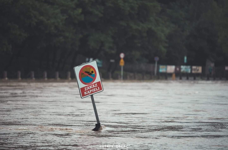 IMGW ostrzega: Wezbranie wód z przekroczeniem stanów ostrzegawczych - Zdjęcie główne