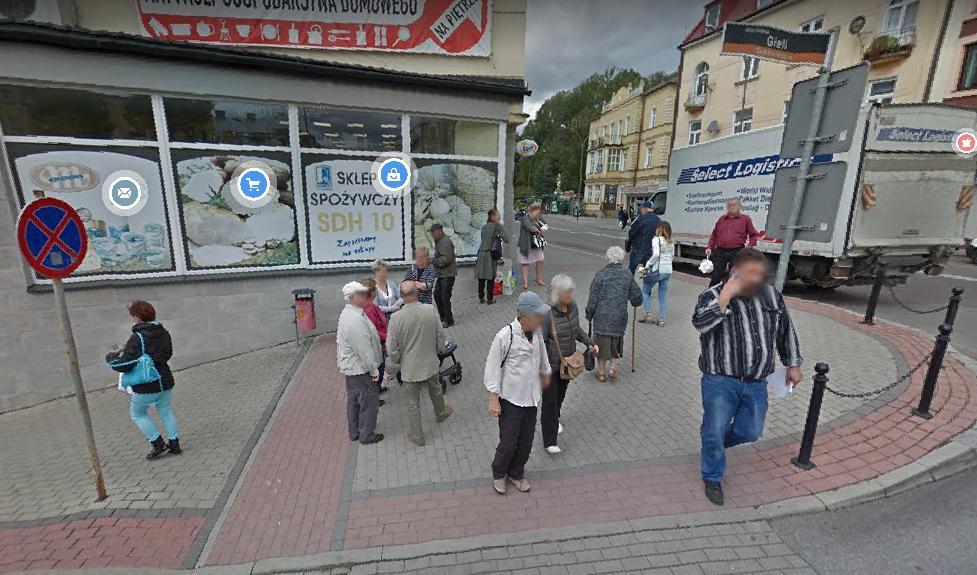 """""""Przyłapani"""" mieszkańcy Sanoka przez aparat Google Street View [ZDJĘCIA] - Zdjęcie główne"""