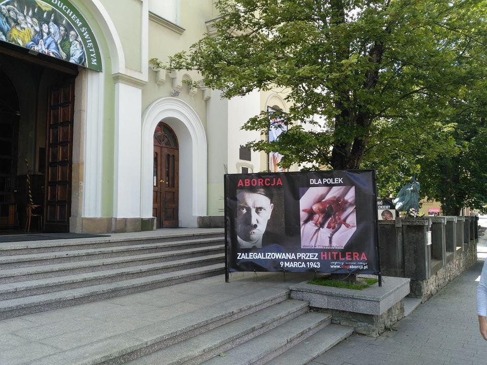 Hitler, papież i aborcja. Policja i prokuratura problemu nie widzą - Zdjęcie główne