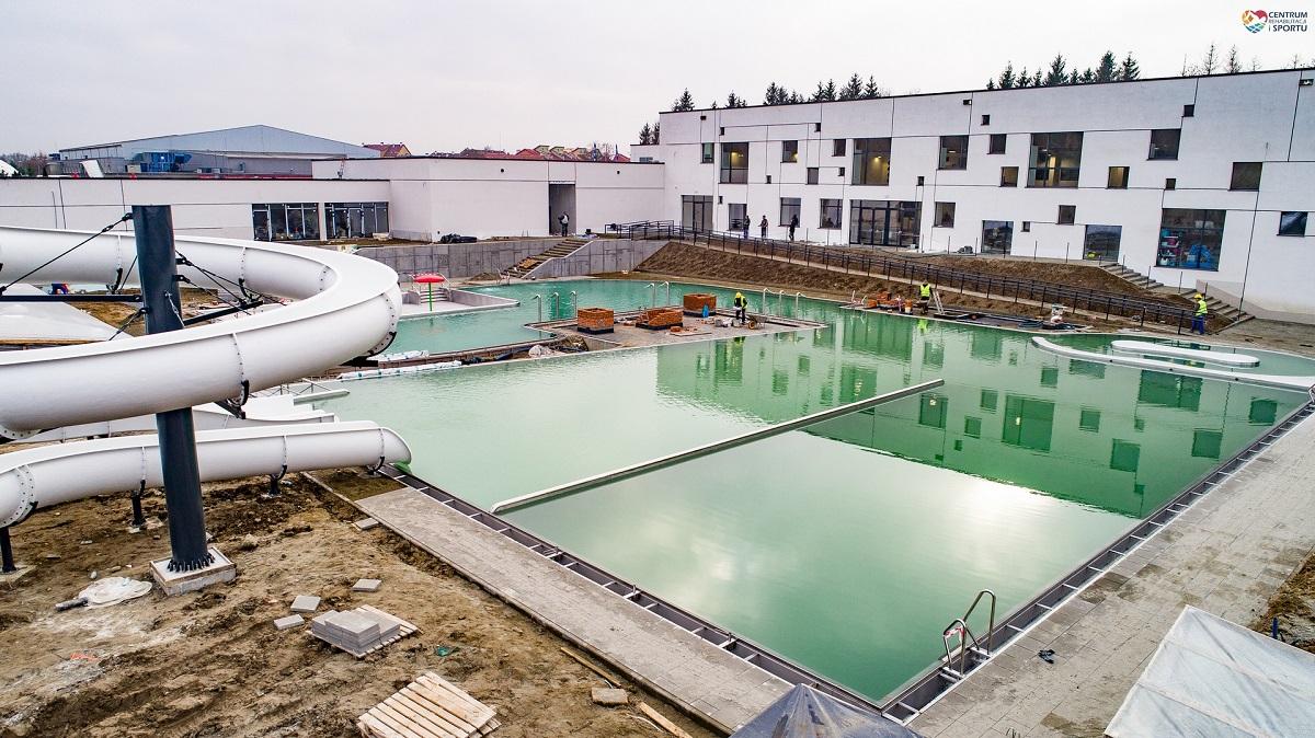 Testy szczelności niecek basenowych. Nowe zdjęcia CRiS FOTO - Zdjęcie główne